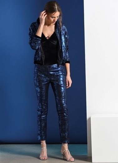 Zeynep Ökmen Metalik Mavi Pantalon Mavi
